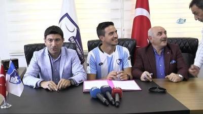BB Erzurumspor'un ilk transferi Leo imzayı attı