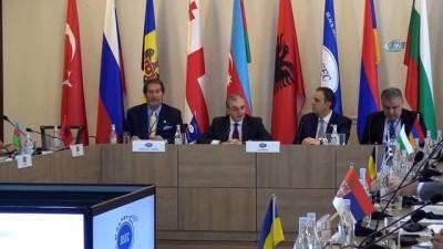 - KEİ 38. Dışişleri Bakanları Konseyi Toplantısı Ermenistan'da başladı