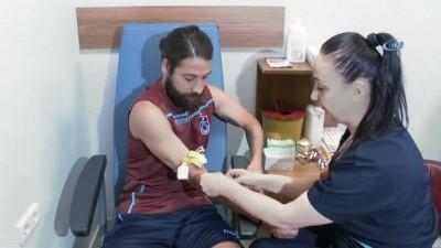 Trabzonsporlu futbolcular sağlık kontrolünden geçti