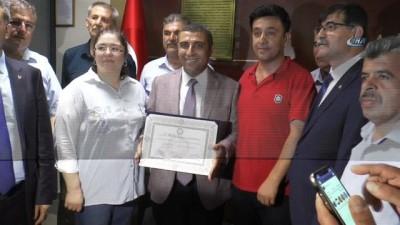 MHP ve CHP Gaziantep Milletvekilleri mazbatalarını aldı