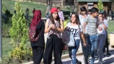 YKS sınavına girecek öğrenciler Balıklıgöl'de namaz kılıp dua etti