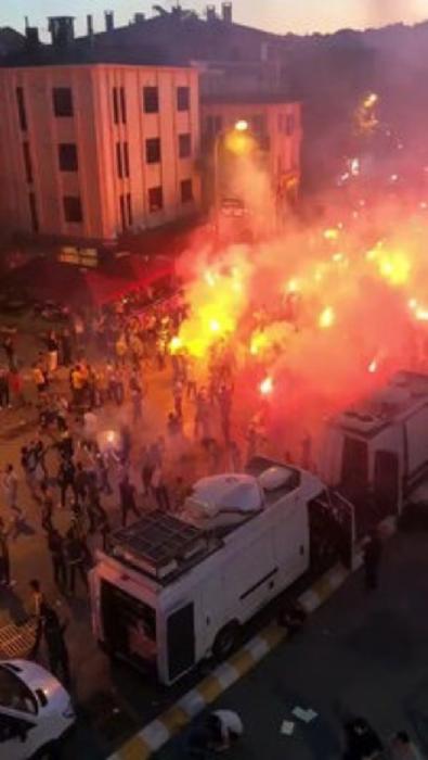 Ali Koç başkan oldu Kadıköy yandı