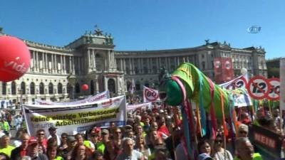 - Avusturya'da aşırı sağcı hükümet protesto edildi