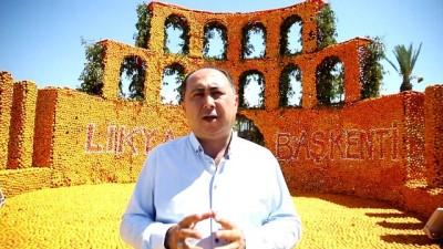 Finike'yi 50 ton portakaldan heykelle süslediler - ANTALYA