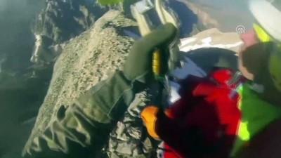 Demirkazık Dağı'nda mahsur kalan 3 dağcının kurtarılma görüntüleri - NİĞDE