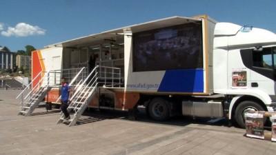 yardim kampanyasi -  Deprem simülasyon TIR'ı Karabük'te