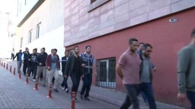 FETÖ'nün mahrem yapılanmasında gözaltına alınan 8 asker adliyeye sevk edildi