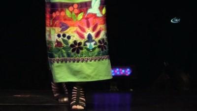 - Toronto Yerli Moda Haftası'nda Renkli Görüntüler