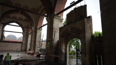Vakıflar tarihi camilerdeki kuşkonmazları kaldırdı - EDİRNE