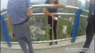 - Çin'de İntihar Girişimini Polis Engelledi