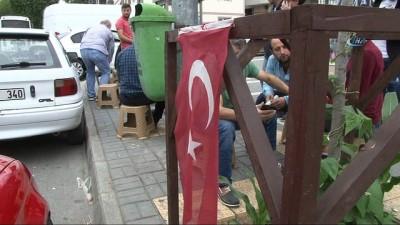Trabzon'da bayrağı yere atan şahıs şizofreni hastası çıktı