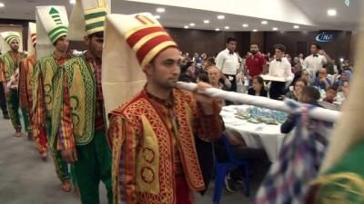 Arnavutköy'de 500 yıllık gelenek 'Baklava Alayı' sürprizi