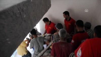 servis araci - Çalıştığı inşaatta motorun altında kalan işçi kurtarıldı - ADANA