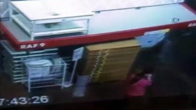 Hırsızlık için uyuşturucu bağımlısı kızı kullanan şüpheliler yakalandı...Hırsızlık anı kamerada