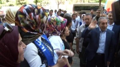 AK Parti Genel Başkan Yardımcısı Mehdi Eker:'Diyarbakır'da terör olduğu için, güvenlik problemi olduğu için aynı yatırımcılar gelip Diyarbakır'a yatırım yapmadı'
