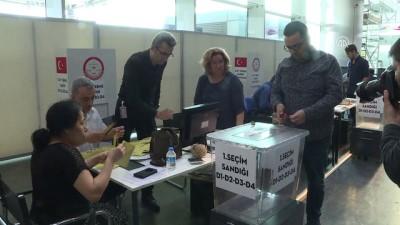 Gümrük kapılarında oy verme işlemi başladı - İSTANBUL