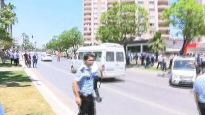 Kavga eden toplu taşımacıları polis dağıttı