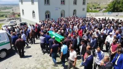 Kazada hayatını kaybeden genç kız son yolculuğuna uğurlandı