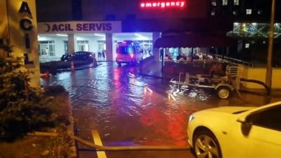 Kocaeli'nde şiddetli yağmur sele neden oldu