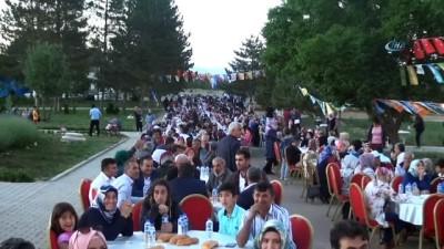 """AK Parti Sözcüsü Mahir Ünal: """"CHP adayı, Sen önce genel başkan ol, sonrasına bakarız"""""""