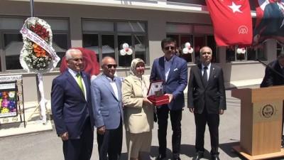 Ekonomi Bakanı Nihat Zeybekci karne dağıttı - DENİZLİ