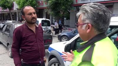 Protez eliyle araç kullanan sürücüye 4 bin lira ceza - AFYONKARAHİSAR