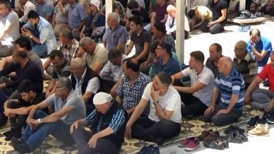 Ramazan Ayı'nın son cumasında Ulu Cami doldu taştı