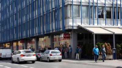 Avusturya'da kapatılan camilere tepkiler sürüyor - VİYANA