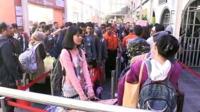 Endonezya'da bayram yoğunluğu başladı - CAKARTA
