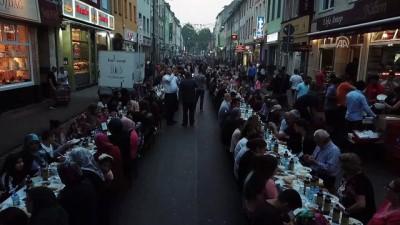 Türk caddesinde 'teröre karşı birlik' iftarı - KÖLN