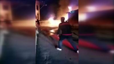 Ahşap garajda yangın: 4 araç alev alev yandı