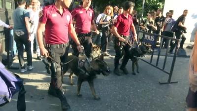 Beyoğlu'nda izinsiz gösteriye polis müdahalesi - İSTANBUL