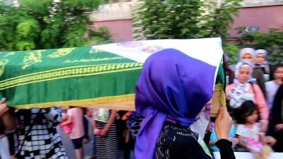 Minik Eylül için eylem yapan kadınlar, tabut taşıyıp idam istedi