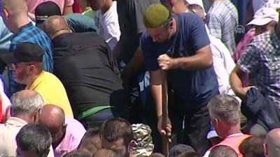 35 soykırım kurbanı toprağa verildi (2) - POTOÇARİ