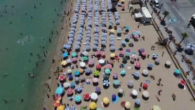Altınkum'da adım atacak yer kalmadı, tatilciler havadan görüntülendi