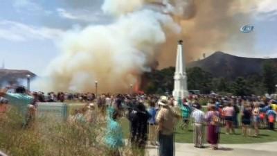 strateji -  Griffith Park'ta yangın çıktı