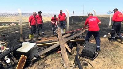 yangin yeri -  Kırıkkale'de çıkan anız yangını az kalsın evlere sıçrıyordu
