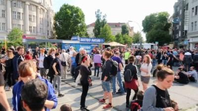 - NSU Davası Kararları Berlin'de Protesto Edildi