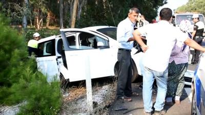 Otomobil radar aracına çarptı: 4 yaralı - MUĞLA