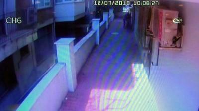 Antalya'da hırsızlar polisin evinden battaniye ile çelik kasa çaldı... O anlar kameralara böyle yansıdı