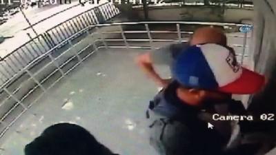 ATM dolandırıcısını, güvenlik kamerası ele verdi