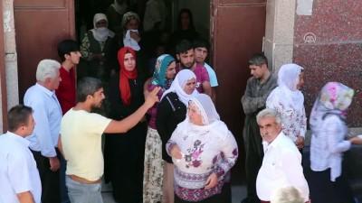 Diyarbakır'da kaybolan 14 yaşındaki çocuğun cesedi teslim alındı (2)