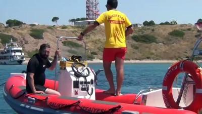 15 Temmuz şehitleri için 15 metre derinlikte pankart açtı - BALIKESİR