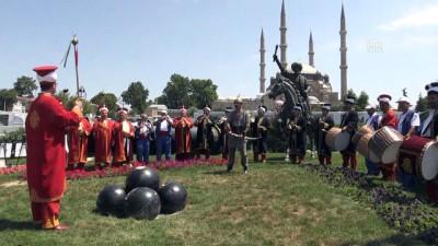 bakanlik - AA fotoğraflarıyla '15 Temmuz Destanı - Milli İradenin Yükselişi' sergisi açıldı - EDİRNE