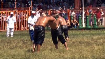 Er Meydanı'nda Başpehlivanlık ikinci tur güreşleri sona erdi