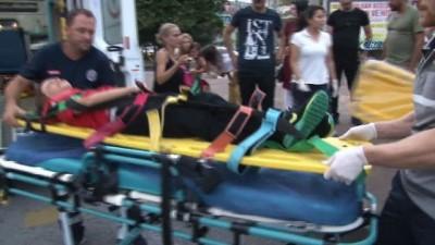 Kocaeli'de 3 araç kavşakta çarpıştı: 3 yaralı