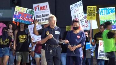 - Los Angeles'ta Trump karşıtı gösteri