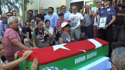 Ölümüyle Bodrum'u üzen trafik polisi son yolculuğuna uğurlandı
