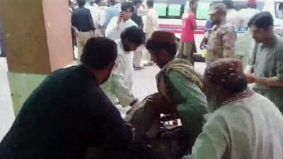 - Pakistan'da Seçim Mitingine İntihar Saldırısında 132 Kişi Öldü