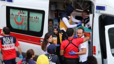 hassasiyet -  Takla atan otomobilde 2'si çocuk 5 kişi yaralandı